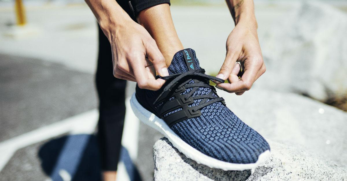 ff58d2201e Adidas vende milhões de tênis feitos com plástico retirado do oceano