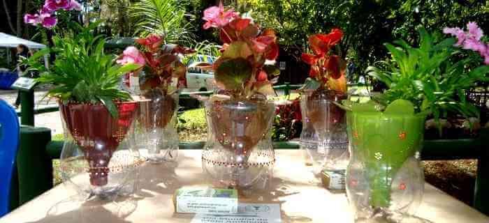 centro-de-mesa-festa-garrafa-pet-flor