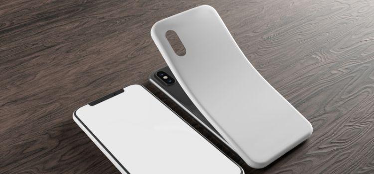 Melhores formas de limpar capinha de celular encardida ou manchada