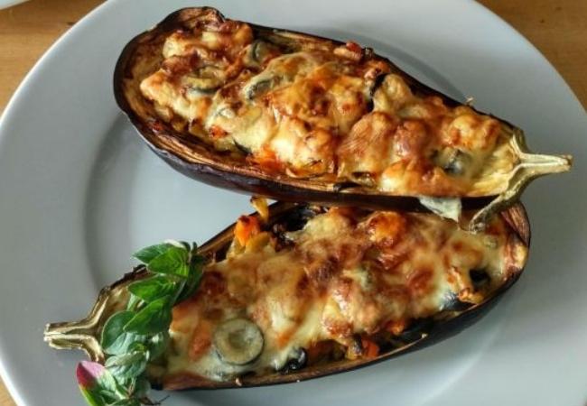 receitas com berinjela assada recheada com legumes